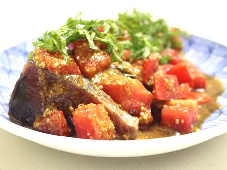 カツオのたたきトマトソース